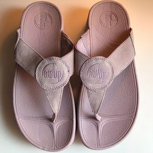 EUC Lilac Fitflop sandals size 7